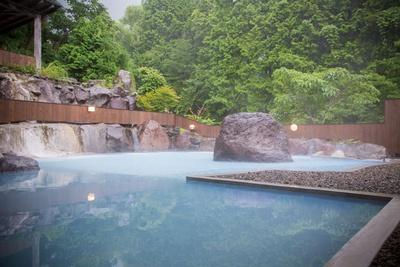 メタケイ酸を豊富に含み、美人の湯とも称される温泉 / ゆふいん束ノ間