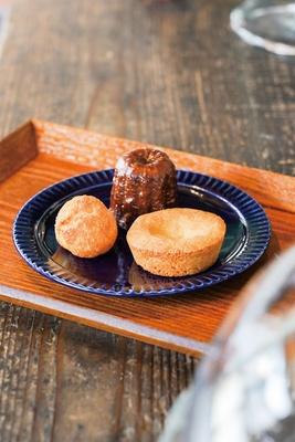 焼き菓子はミニカヌレ(162円)など / 古湯マーケット望屋 mochiya