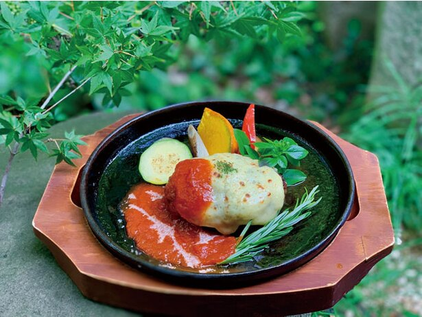 佐賀牛黄金焼きハンバーグ(2052円) / 山カフェレストラン  KUREHA