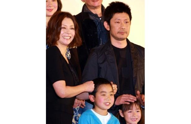 『毎日かあさん』でファミリーを演じた小泉今日子と永瀬正敏たち