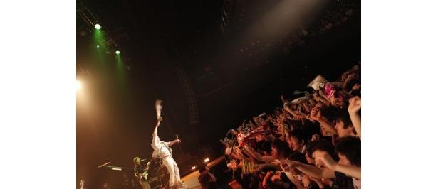 【写真】ダンサー・ATSUSHIらのパフォーマンスがステージを一層熱くする!