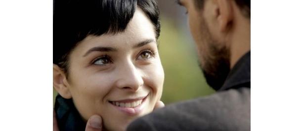 【写真】主人公でCAのルナを演じるのはズリンカ・ツヴィテシッチ
