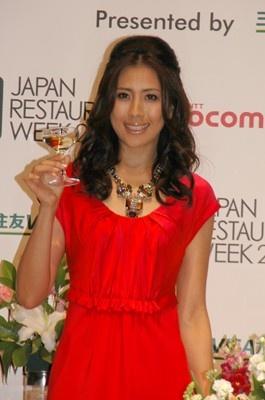 PRスペシャルゲストとしてレセプションに出席した長谷川理恵さん。レストラン選びや食に対するこだわりから恋愛のことまで包み隠さず語ってくれた