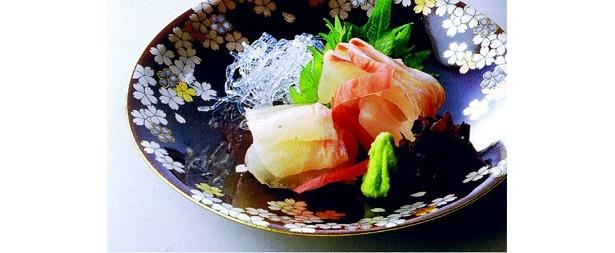 ミシュラン1つ星の和食店「赤坂とゝや魚新」のランチ(2500円)で供される一品