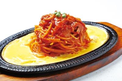 「イタリアンスパゲッティ」(750円)は、ケチャップにも溶き卵にもひと工夫した独自の味 /「キャラバン」(名古屋市東区)