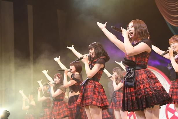 『会いたかった』を歌うチーム8のOGメンバー