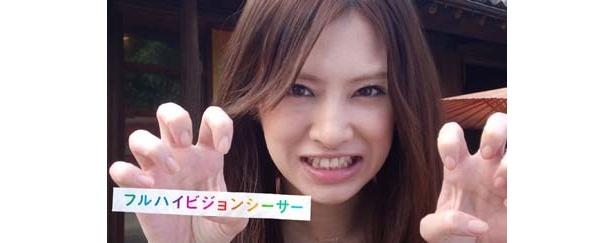シーサーの変顔もキュート! 沖縄で笑顔を振りまく、北川景子の新CMをチェック!