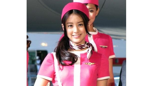 「久しぶりに飛行機に乗って、はしゃいでしまった!」と山本美月