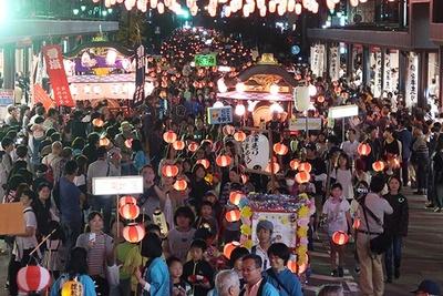 【写真を見る】毎年多くの人が訪れる会津若松市の人気の祭り