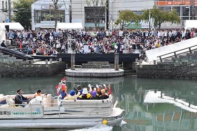 さまざまなコスプレをした人たちが徳島市に集結!