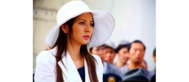 ヒロインである財閥の令嬢・白木葉子役に香里奈