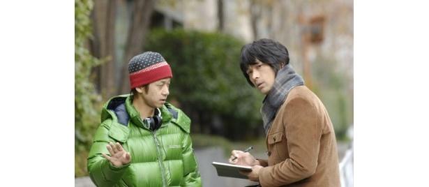 江口洋介と演出プランについて話しているところ