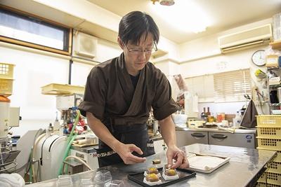 「和菓子をもっと身近に」をモットーにする大澤さん