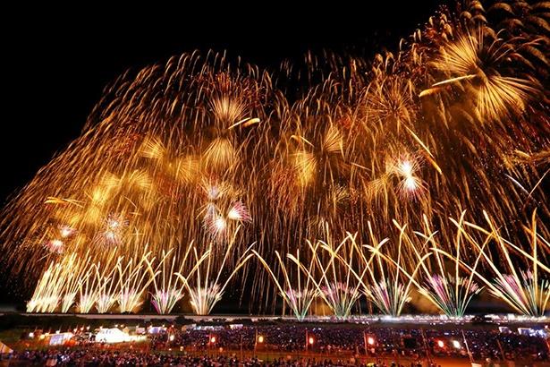 「長岡まつり大花火大会」日本三大花火の一つ