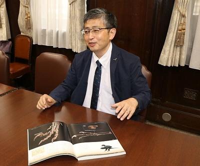 「国立科学博物館」標本資料センターコレクションディレクター・真鍋真博士