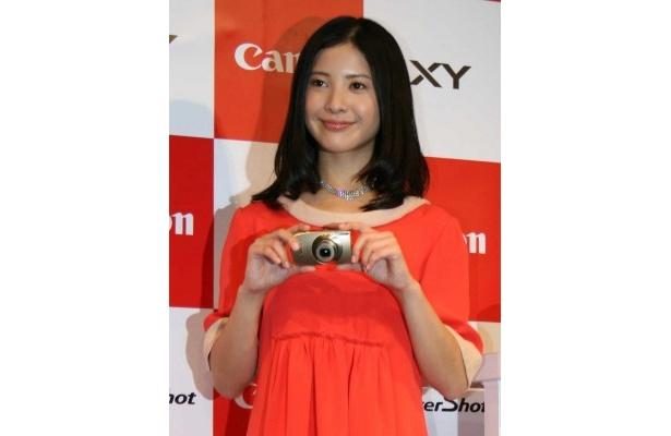 キヤノンデジタルカメラの新コミュニケーションパートナーに起用された吉高由里子