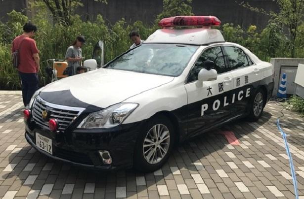 普段なかなか見ることができない警察車両の車内も見学!