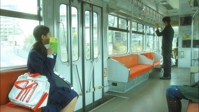 朝の通学電車で見つめるだけの恋が…