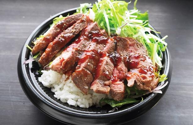 ブラックアンガスビーフを使ったステーキ丼が人気!ド迫力の1ポンド(約450g)ステーキも注目メニュー