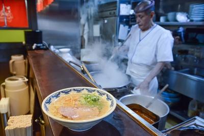 トレンドの変化が激しい東京で20年以上愛される名店の味を紹介する