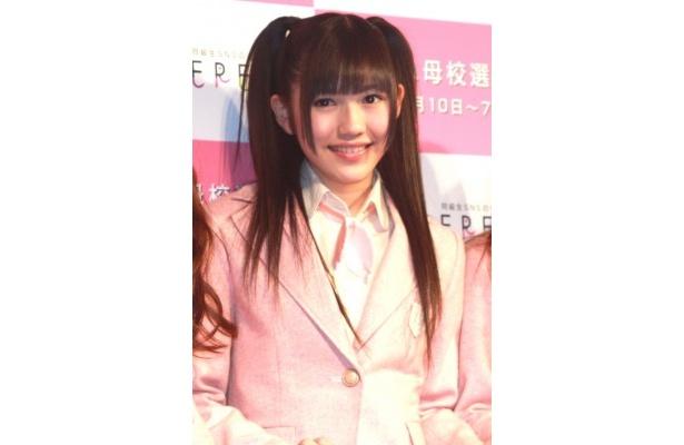 現役女子高生の渡辺麻友は「校内放送で『桜の木になろう』を流して」とPR