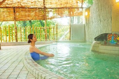 大江戸百人風呂の露天風呂はジェットバスも導入/箕面温泉スパガーデン