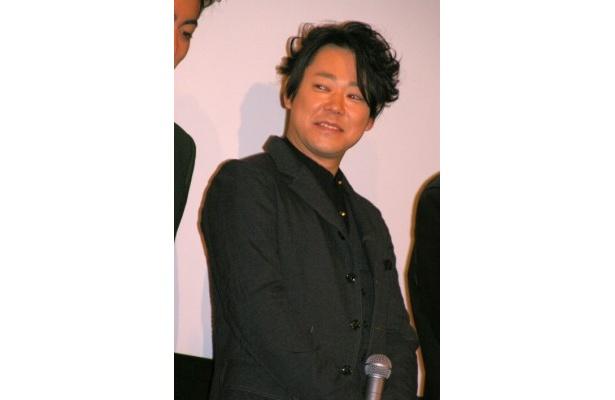 アメリカ軍の捕虜になっていた英語が話せる民間人・元木末吉を演じた阿部サダヲ
