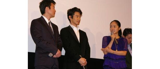 井上真央と唐沢寿明は、タイで竹野内豊に屋台に連れて行かれた時の話を披露