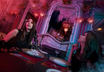 大人ハロウィーン・エリア内に登場したホラー・レストラン「パークサイド・グリル ~呪われた薔薇の宴~」