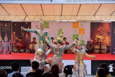 ラナート(タイ式木琴)など5種の楽器で盛り上げる仮面舞踊劇「コーン」