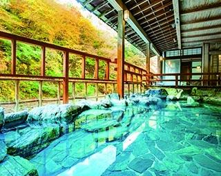 群馬県で紅葉が楽しめる温泉スポット4選!自然と一体になって疲れを癒そう