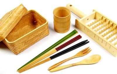 竹細工もバラエティ豊かに販売