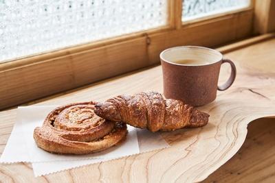 どれも素朴ながら洗練されている。サンドにしたり、料理に添えて楽しみたい / bäckerei ALO