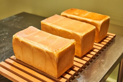 湯種製法の食パン(324円)は水分多めでモチモチ / boulangerie GOURMAND