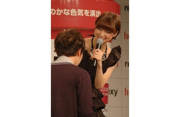 いつもより大人な篠田さんにファンもドキドキ