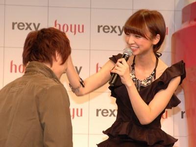 篠田さんに頭をなでてもらった幸せなファンはみんなニコニコだった