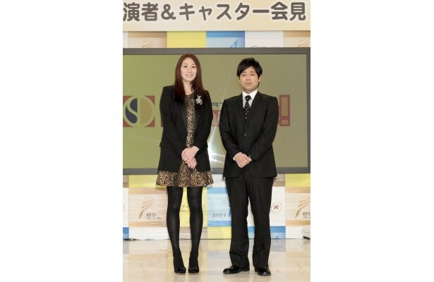BS1「スポーツドミンゴ」で司会を担当するバレーボール元日本代表の高橋みゆき、杉岡英樹アナウンサー(写真左から)