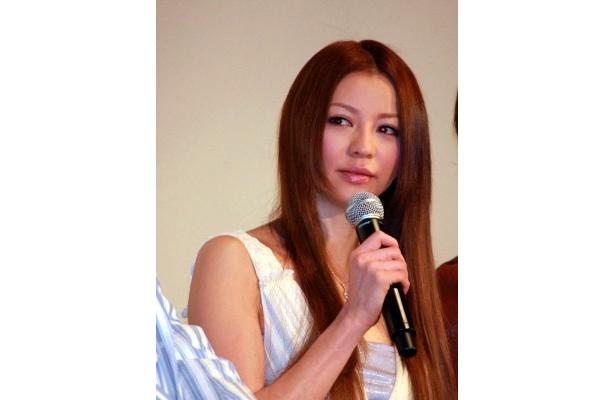 力石が所属するジムのオーナー・白木葉子役の香里奈