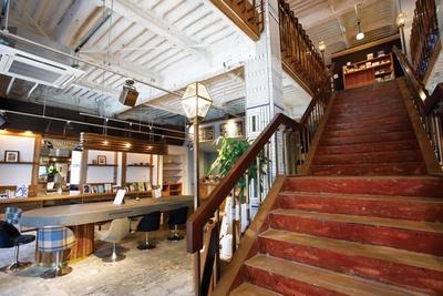 2階にはイベントスペースも / 本屋のとなり 喫茶わに