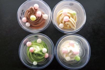 見た目にもキュートな各種ソフトクリームは1個400〜500円