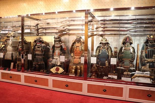 甲冑や火縄銃など実際に使用されていた品を展示