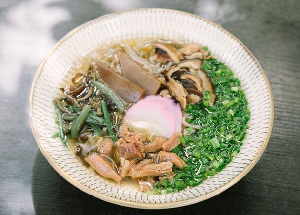 山のそば茶屋 / 「山菜地鶏そば」(温1100円)