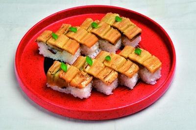 穴子押し寿司(1本1836円)/酒菜や いしもん 本店
