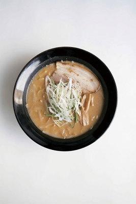 札幌「信玄」こく味噌ラーメン¥809 濃厚なコクと甘味があるスープがたまごめんによくからんで絶品です