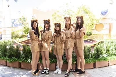 笑顔がかわいいティム5人組! (左から)まーみんさん、あおちゃん、ちゃんゆーさん、まーきさん、ぱるるさん