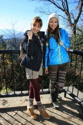 押切もえが真山景子と高尾山に登る