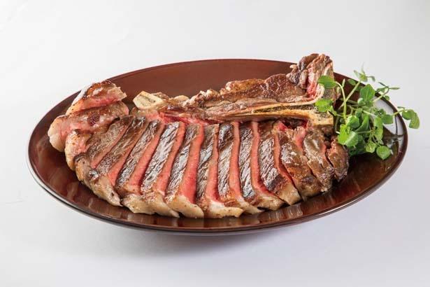 ジューシーなLボーンステーキを使った、ボリュームも満点のアメリカ産アンガス牛骨付ロース(約400g5537円)/肉料理専門店バル VOLER