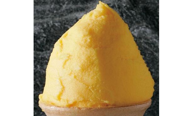 濃厚でフルーティーな味。色合いもあざやかで、なめらかな味わいのマンゴーシャーベット