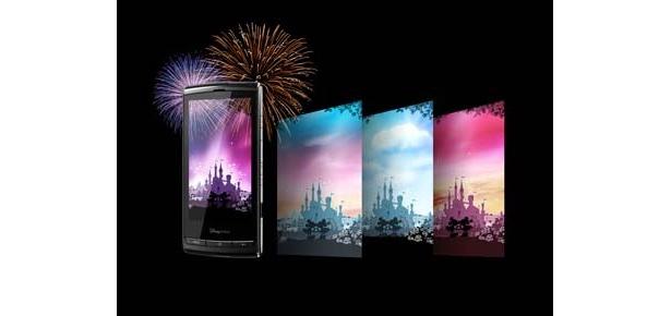 20時半には花火がドッカンドッカンあがる! 超キュートなディズニースマートフォンが登場!