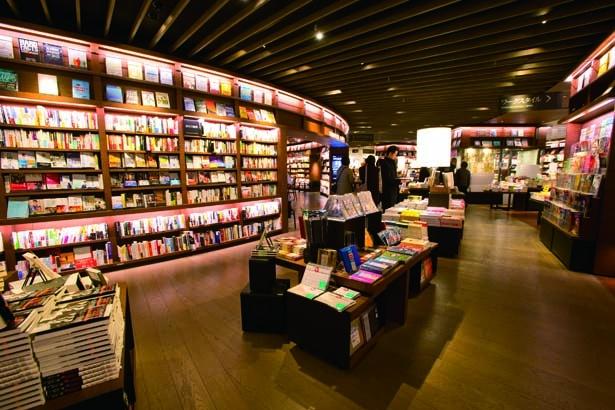 約20万冊の書籍が並ぶ/梅田 蔦屋書店